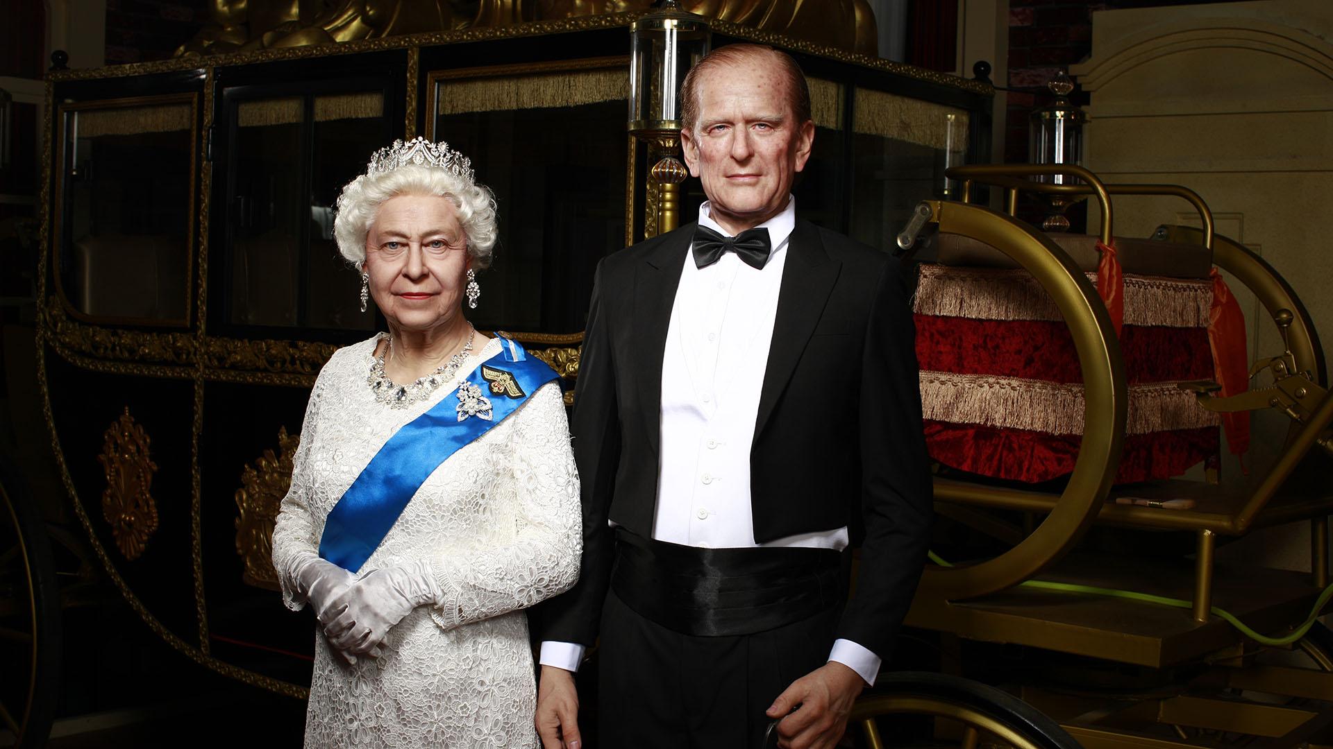 रानी एलिजाबेथ राजनीतिक जीवनशैली सिलिकॉन वैक्स मूर्तियां